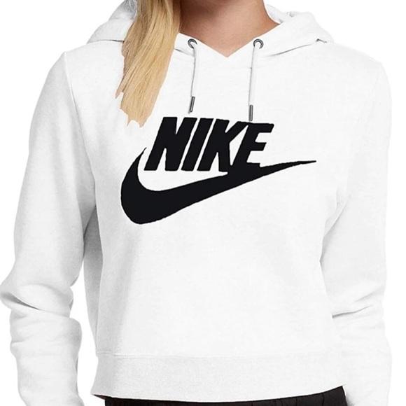 10fae14b108b Nike women s cropped hoodie. M 5c7b7246409c155080896c9e